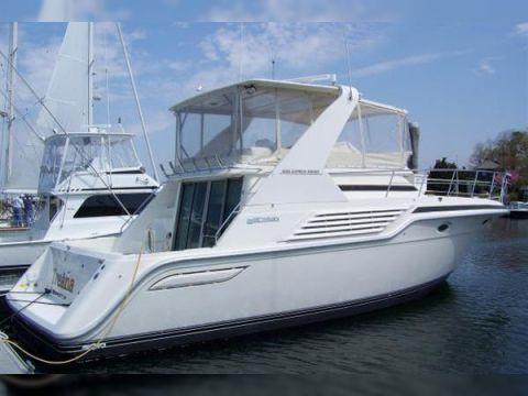 Express Cruisers 4285 Bridge