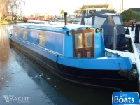 Chandlers Rest is a 45ft cruiser stern narrowboatCruiser Stern
