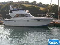 Fairline Corniche 31 2x200hp diesels on shafts
