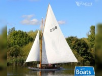 Traditional Gaff Rigged Broads Sailing Cruiser River Cruiser Class