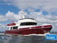 Privateer Trawler 74
