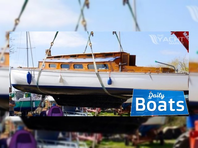 Traditional Gaff Rigged Broads Sailing Cruiser River Cruiser Class For Sale
