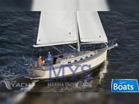 Island Packet Yacht Estero