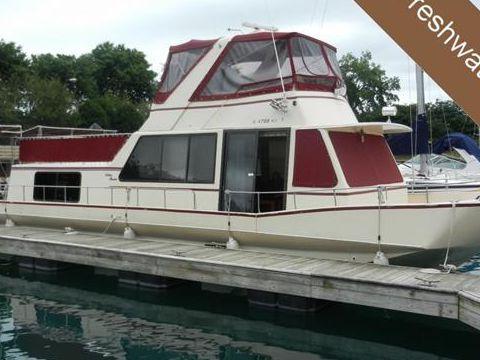 Holiday Manison Coastal Commander 490