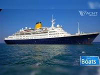 Cruise Ship,561 Passengers - Stock No. S2125