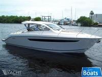 Pursuit SC-365 Sport Yacht