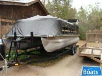 Bentley Pontoons 220/223 Cruise