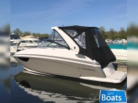 Regal 28 Express Cruiser