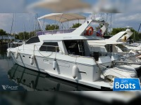 Ferretti Yachts Altura 52S