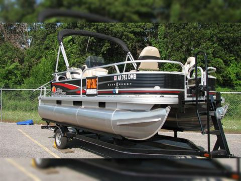 Suntracker bass buggy for sale daily boats buy review for Buy bass boat without motor