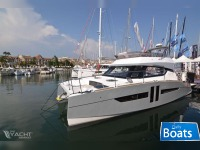 Aventura A10 Power Catamaran