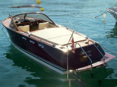 Custom build riva chris craft classic for sale daily for Building classic small craft