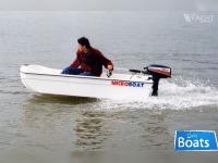Microboat 900