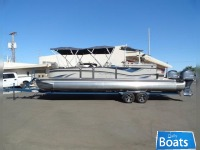 Premier Marine 260 Grand Entertainer