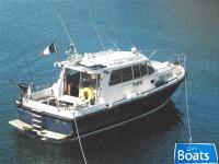 Aquastar 33 aft cockpit