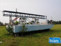 Custom 30 Work Barge