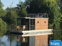 Houseboat Waterlodge Three