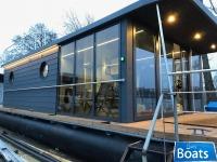 Houseboat Waterlodge Four