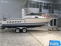 Bayliner TROPHY 2352