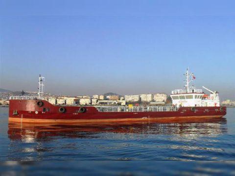 OIL TANKER - DOUBLE HULL (HSS3295)
