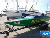 Ring 18 Speedboat