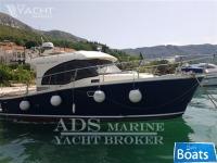 Marina Yacht 32
