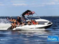 SEALVER WAVE BOAT 525 FULL WAKE