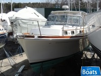 Grand Banks Eastbay 38 Hard Top