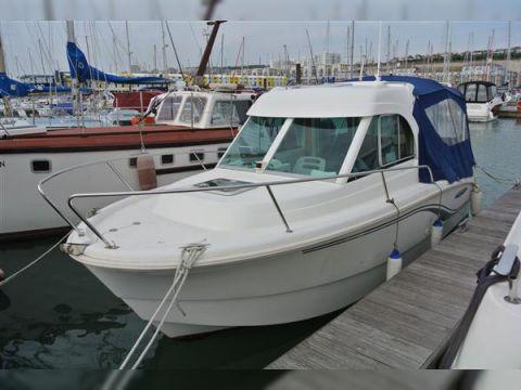 Beneteau Antares 650