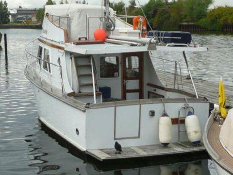 AMS Marine Trawler 28
