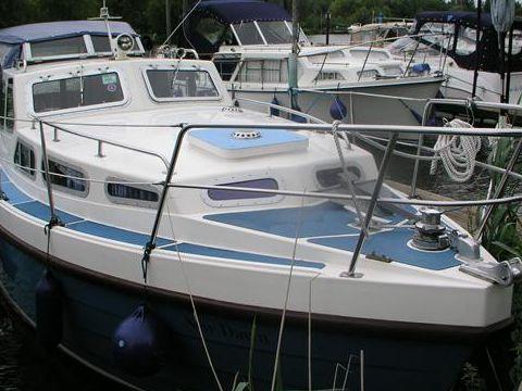 Cox Marine Fisher 24