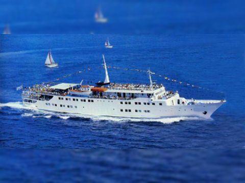 Cruise Ship 2 X 8MU 451 AK 2 1600hp