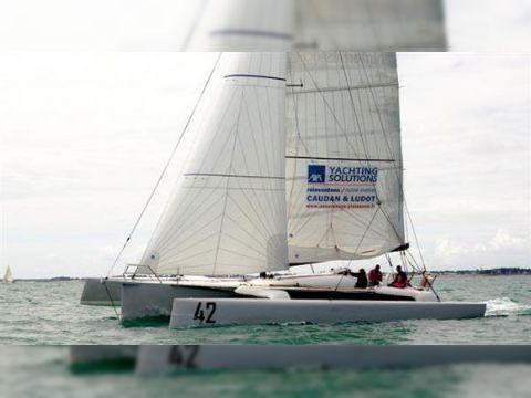 Agura Yacht Racing Trimaran 40