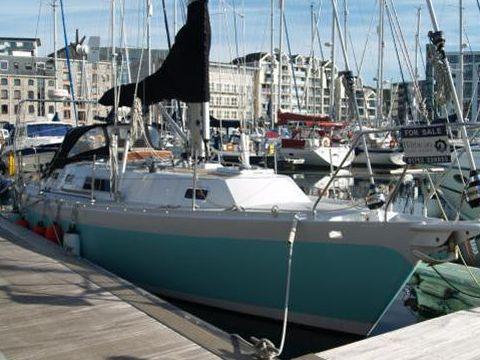 Bluewater Yachts Cruiser