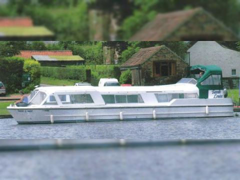 Kingfisher Boats Kingfisher 31 Sport