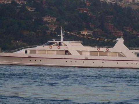 43 M Restaurant Boat