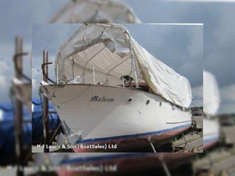 Beechem Classic Motor Yacht