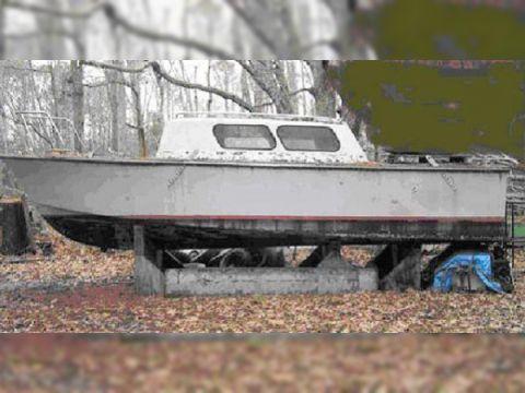 Fiberglass U.S. Navy P. E. Boat