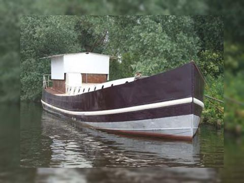 Barge-Cutter casco living ship