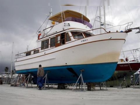 Mariner 37 Pilot house Trawler - YouTube