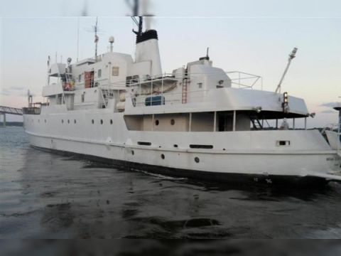 Collingwood Expedition Ship