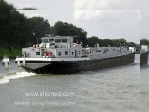 Shipyard Millingen River Tanker