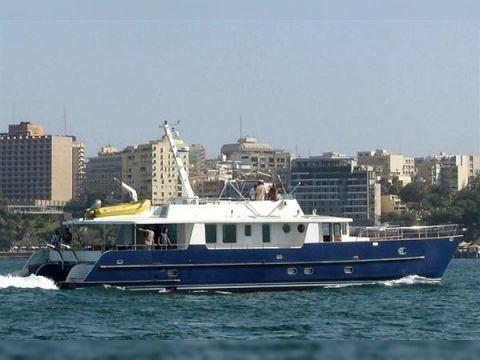 Tropic 80 Power Catamaran