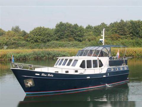 Blauwe Hand Trawler