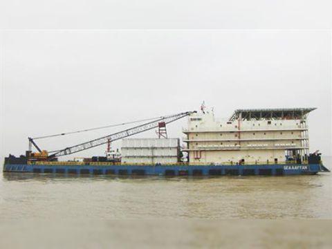 Jack up rig Accommodation Work Barge