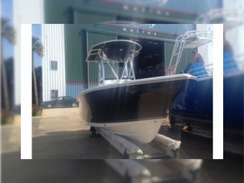 Sea Hunt 210 Triton