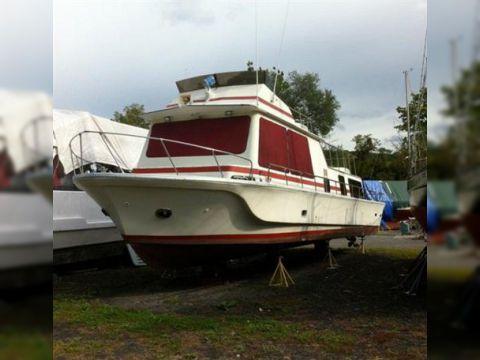 1977 45' x 12' Fiberglass Bluewater Yacht/Liveaboard