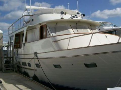 Angel Motor Yacht