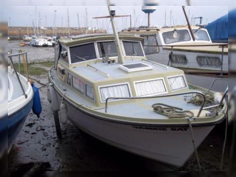 Cutlass 26