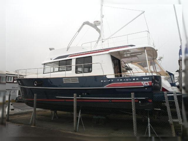 Buy Beneteau Swift Trawler 44 | Beneteau Swift Trawler 44